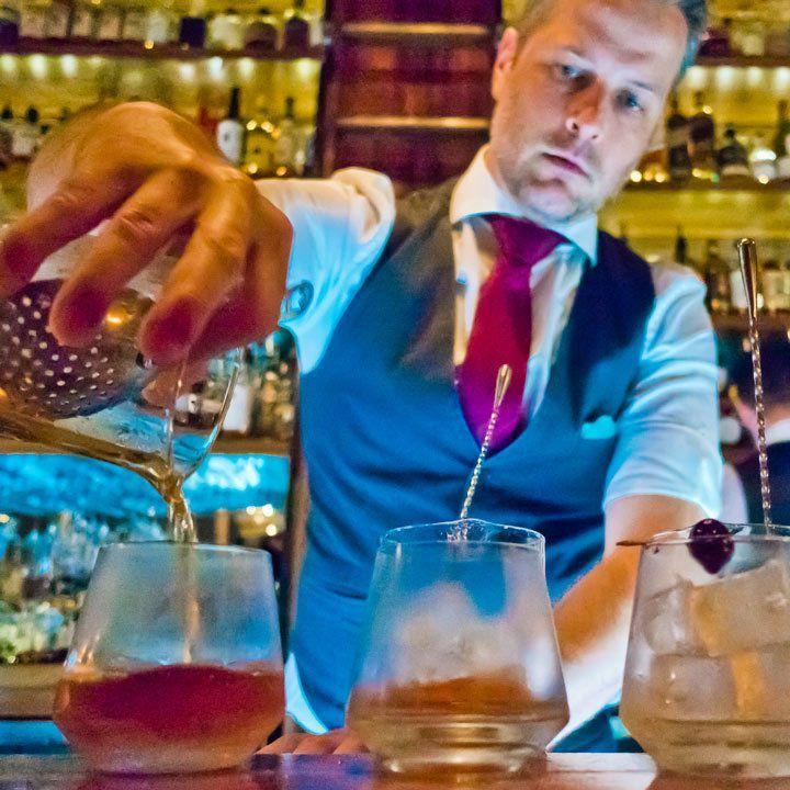 بوربن کو صحیح طریقے سے پینے کے 6 قواعد